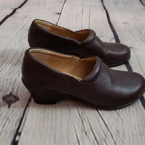 Soft Spots Leather Loafer sz 7M